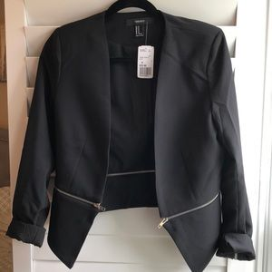 Forever 21 Black Blazer. New. Cropped in back